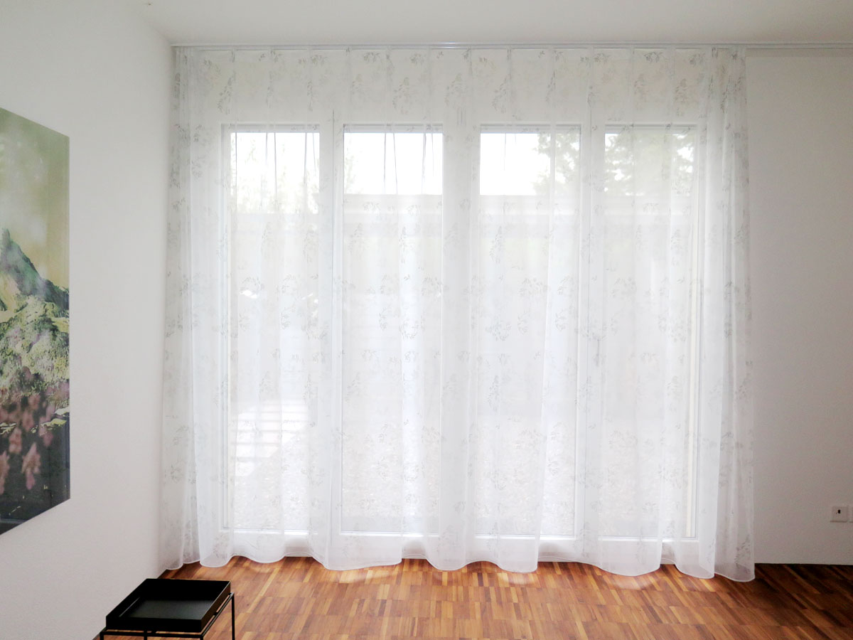 Tagesvorhang RAPPERSWIL [Rosen-Muster] - vorhangbox.ch