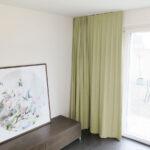 Blackout-Vorhang ABLION beige zum Schlafzimmer komplett abdunkeln.