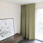 Blackout-Vorhang ABLION beigegrau zum Schlafzimmer komplett abdunkeln.