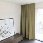 Blackout-Vorhang ABLION braun zum Schlafzimmer komplett abdunkeln.