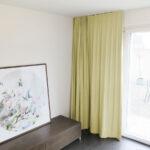 Blackout-Vorhang ABLION goldbeige zum das Schlafzimmer komplett abdunkeln.